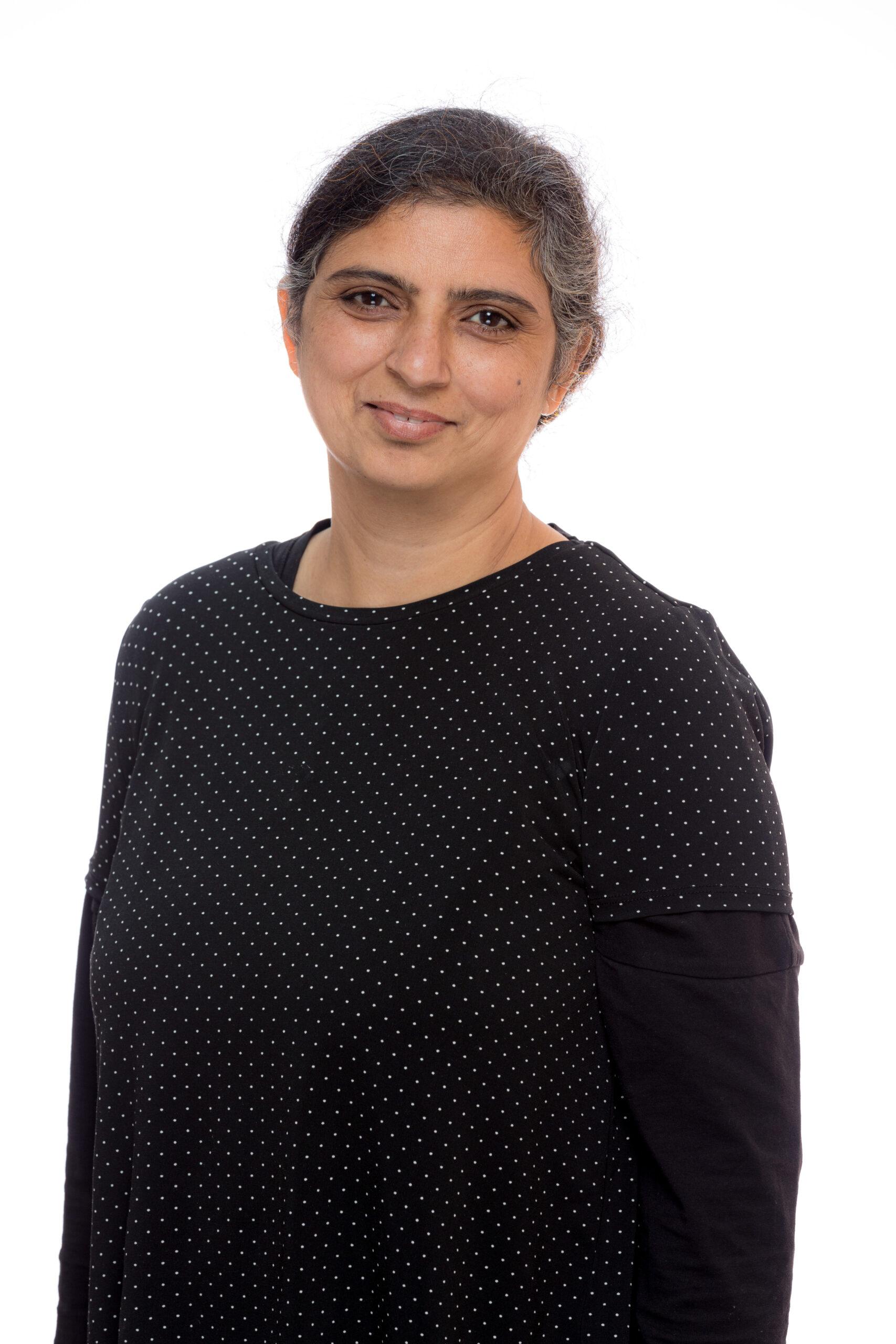 Mrs R Nawaz